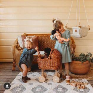 Egmont Toys Wicker Pram & Knitted Blanket alternate image