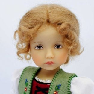 BONEKA Monday's Child BROWN EYES Lieselotte 25cm Doll alternate image