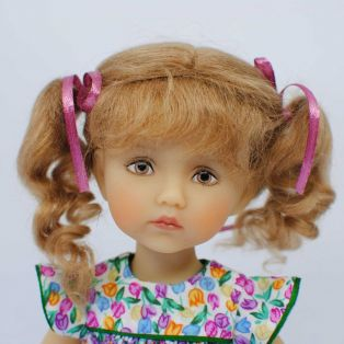 BONEKA Monday's Child BROWN EYES Rebecca 25cm Doll alternate image